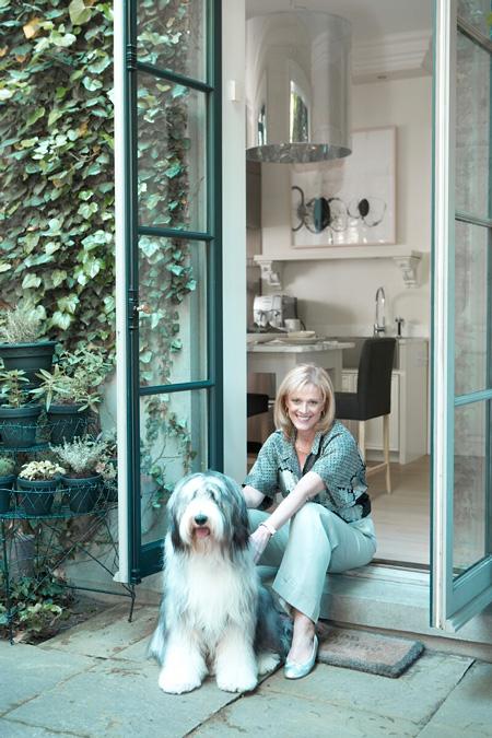 Lynda Reeves és a kutyusa